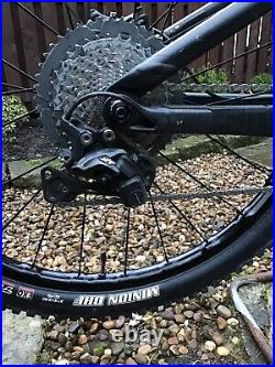 2018 Trek Remedy 8 Bike, Size Large, 27.5 Wheel Size, In Matt Black